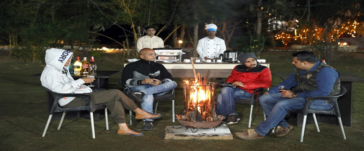 There is no better warmth than the warmth of company! Create memories with friends and family while enjoying bonfires on chilly nights.
